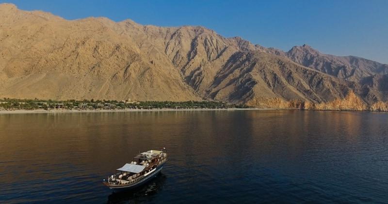 Dhahab_aerial_view_with_resort_[6812-MEDIUM]
