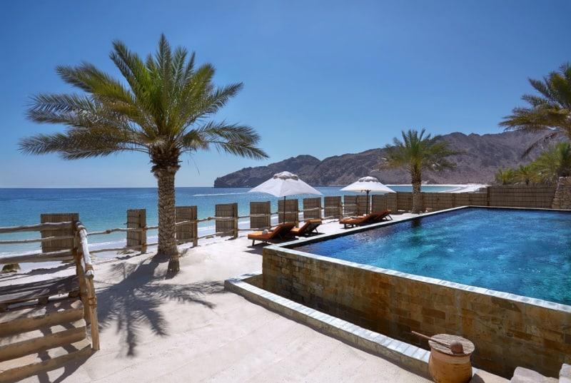 Two_Bedroom_Beachfront_Retreat_exterior3_[6865-MEDIUM]